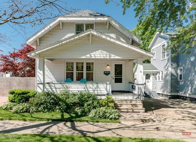Grand Haven MI Single Family Home For Sale: $399,900