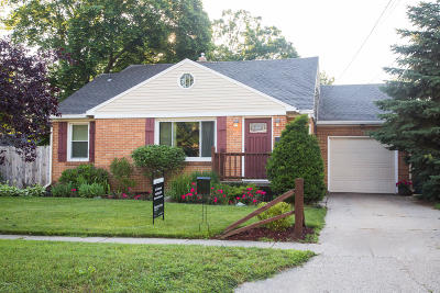Kent County Single Family Home For Sale: 3234 Barrett Avenue SW