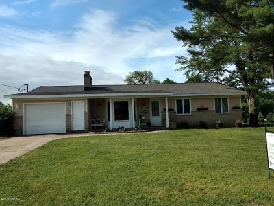 Kentwood Single Family Home For Sale: 546 52nd Street SE