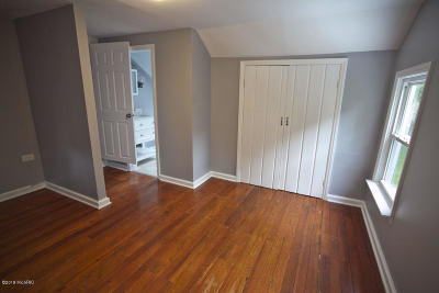 Grand Rapids, East Grand Rapids Single Family Home For Sale: 937 Logan Street SE