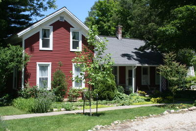 Saugatuck, Douglas Single Family Home For Sale: 36 Chestnut Street