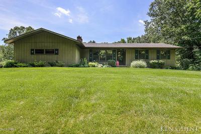 Single Family Home For Sale: 12620 Grand River Drive SE