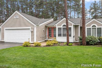 Condo/Townhouse For Sale: 3349 Woodwind Drive NE #15