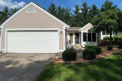 Condo/Townhouse For Sale: 3334 Woodwind Drive NE #33