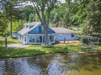 Single Family Home For Sale: 33470 Forest Beach Street