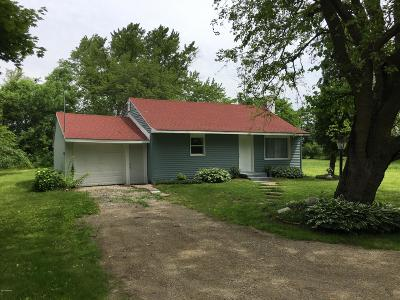 South Haven Single Family Home For Sale: 8630 M-140 Highway