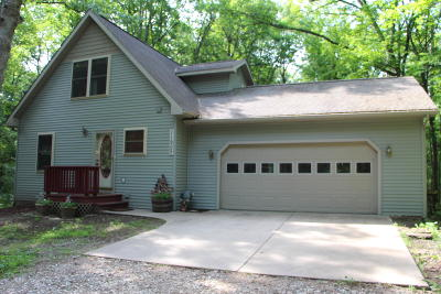 Canadian Lakes Single Family Home For Sale: 11905 Wales Drive
