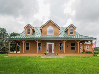 Hickory Corners Single Family Home For Sale: 14610 Lockshore Road