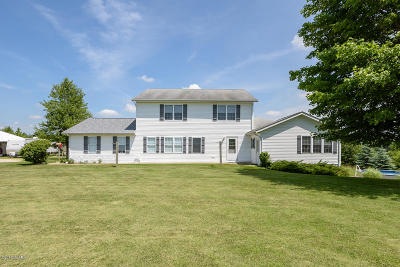 Branch County, Hillsdale County Single Family Home For Sale: 715 Whipple Road