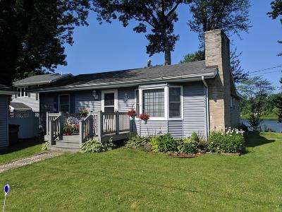 Van Buren County Single Family Home For Sale: 60904 N Lakeshore Drive