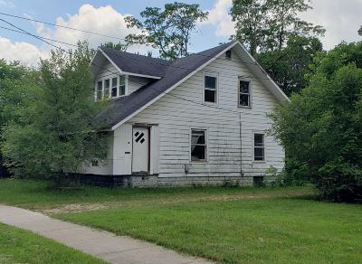 Dowagiac Single Family Home For Sale: 208 S Lowe Street