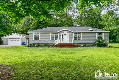 Clinton County, Gratiot County, Isabella County, Kent County, Mecosta County, Montcalm County, Muskegon County, Newaygo County, Oceana County, Ottawa County, Ionia County, Ingham County, Eaton County, Barry County, Allegan County Single Family Home For Sale: 4348 W 112th Street