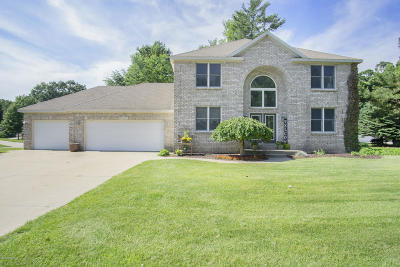 Grand Haven, Spring Lake, Ferrysburg Single Family Home For Sale: 15463 Trail Court