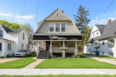 Otsego Single Family Home For Sale: 220 E Allegan Street