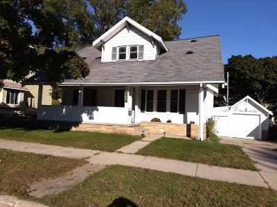 Ludington Single Family Home For Sale: 208 N Robert Street