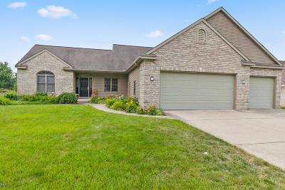Hudsonville Single Family Home For Sale: 6111 Ganton Court