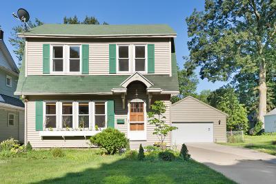 Single Family Home For Sale: 127 Wallinwood Avenue NE