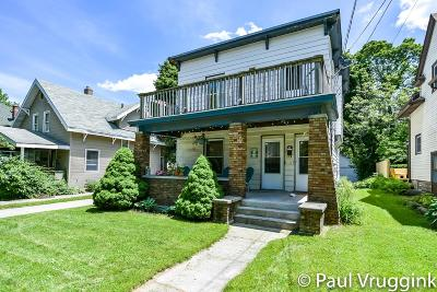 Grand Rapids Multi Family Home For Sale: 212 Carlton Avenue SE