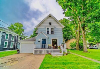 Dowagiac Single Family Home For Sale: 306 Green Street
