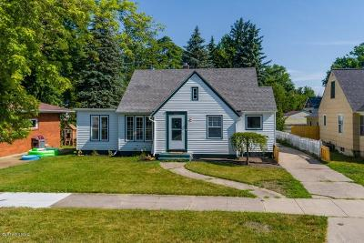 Holland MI Single Family Home For Sale: $160,000