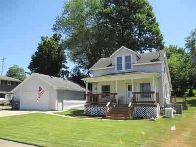 Single Family Home For Sale: 306 E Spring Street