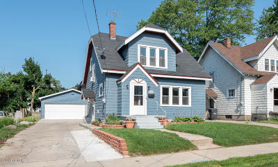 Wyoming Single Family Home For Sale: 1903 Delwood Avenue SW