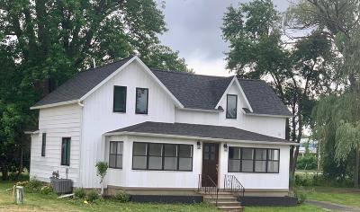 Grand Rapids Single Family Home For Sale: 3978 3 Mile Road NW