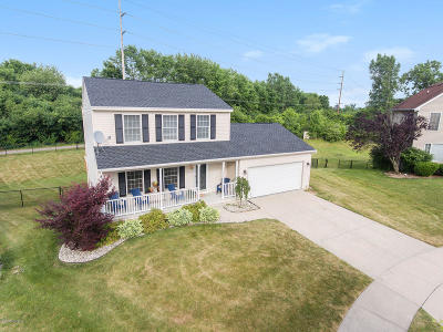 Grand Rapids Single Family Home For Sale: 1901 Whistlestop Drive SE