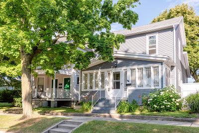 St. Joseph Single Family Home For Sale: 512 Court Street