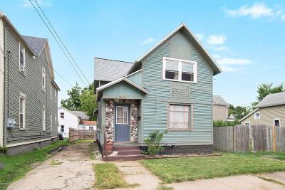 Grand Rapids Single Family Home For Sale: 559 Pettibone Avenue NW