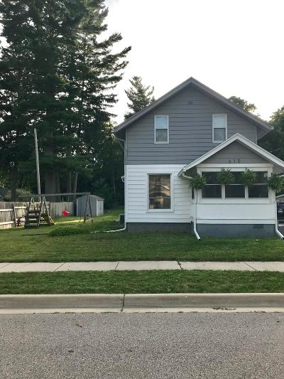 Clinton County, Gratiot County, Isabella County, Kent County, Mecosta County, Montcalm County, Muskegon County, Newaygo County, Oceana County, Ottawa County, Ionia County, Ingham County, Eaton County, Barry County, Allegan County Single Family Home For Sale: 615 Townsend Street