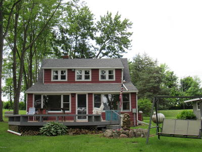 Single Family Home For Sale: 13843 Young Drive