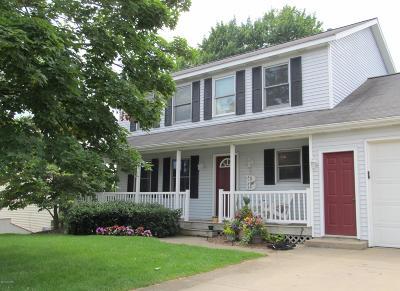Zeeland Single Family Home For Sale: 9782 Les Court