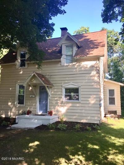 St. Joseph Single Family Home For Sale: 1039 Morrison Avenue