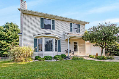 Portage Single Family Home For Sale: 1635 Auburn Woods Trail