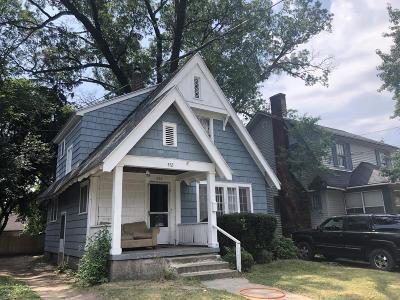 Single Family Home For Sale: 452 Storrs Street SE