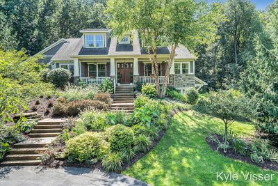 Ada Single Family Home For Sale: 2461 Lansdowne Drive NE