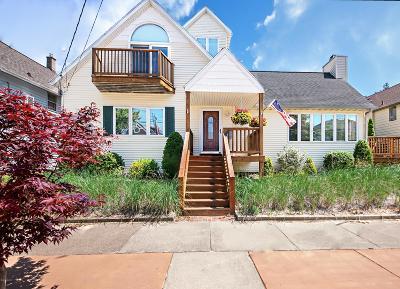 St. Joseph Single Family Home For Sale: 1107 Lions Park Drive