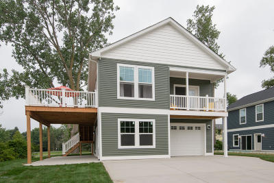 South Haven Single Family Home For Sale: 7391 Beachview Drive