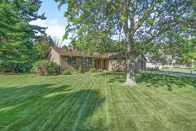 Grand Rapids Single Family Home For Sale: 4747 Bluegrass Drive SE