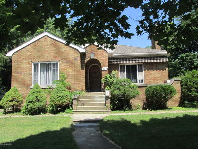 Branch County Single Family Home For Sale: 200 W Chicago Street