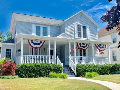 Grand Haven Single Family Home For Sale: 528 Lake Avenue