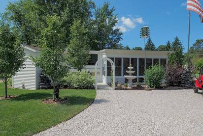 Saugatuck Condo/Townhouse For Sale: 6473 Blue Star Highway #114