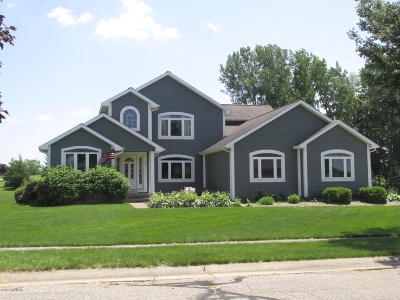 Branch County Single Family Home For Sale: 77 Candlewood Court