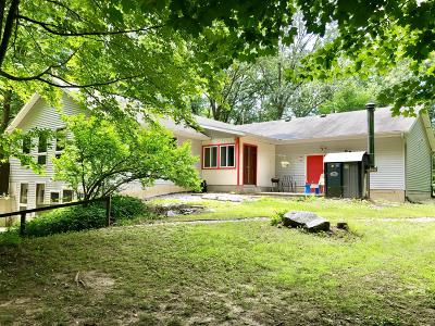 Hastings Single Family Home For Sale: 1881 Secluded Acres Drive