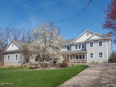 Plainwell Single Family Home For Sale: 230 2nd Avenue