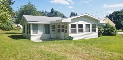 Dowagiac Single Family Home For Sale: 50345 E Lakeshore Drive