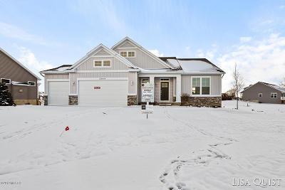 Rockford Single Family Home For Sale: 3844 Innwood Ridge Court NE #Lot #9