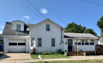 Pentwater Single Family Home For Sale: 31 W Lowell Street