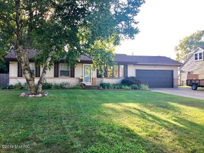 Single Family Home For Sale: 7249 Heatherwood Drive